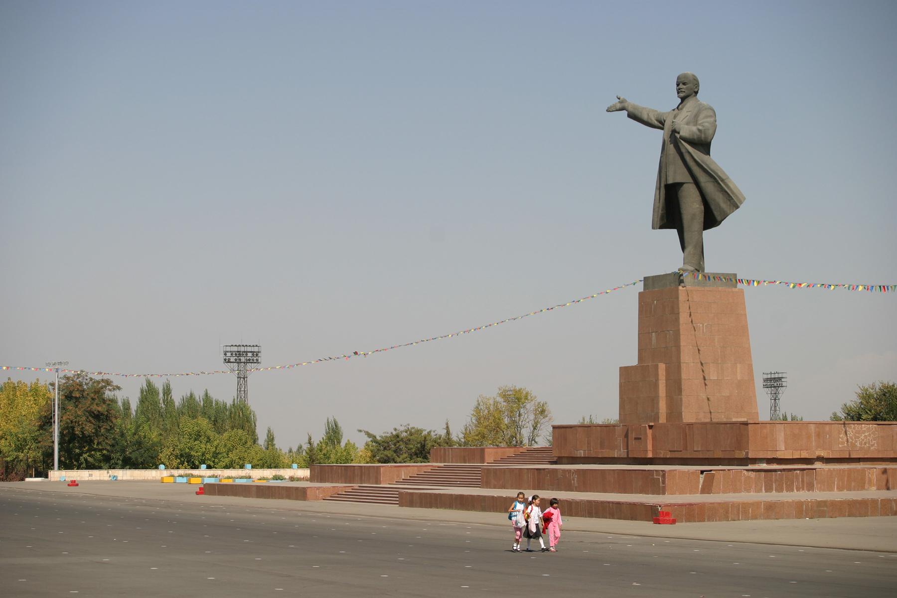 Lenin lässt grüßen, Osh, Kirgistan, 2006